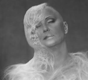 Model Sandra Ode aan de Kale Vrouw